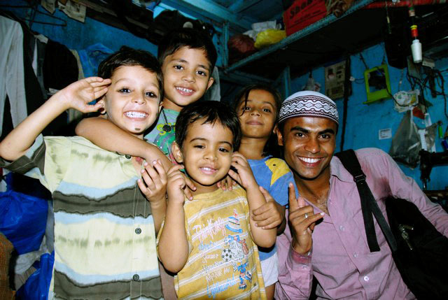 Children on Mohammed's Dharavi Tour