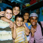 kids with mohammed on dharavi tour